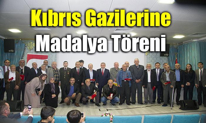 Kıbrıs Gazilerine Madalya Töreni